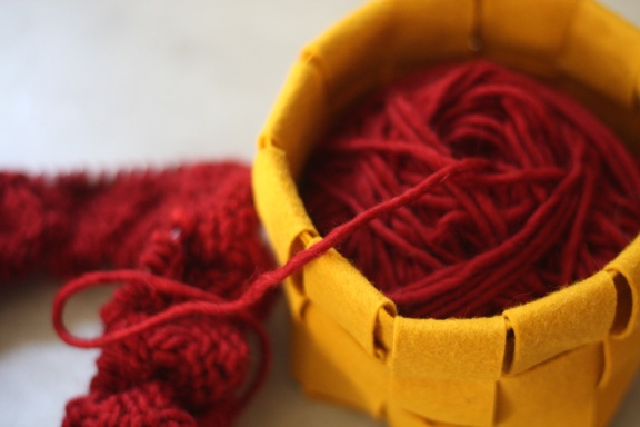 how to make felt balls from wool yarn