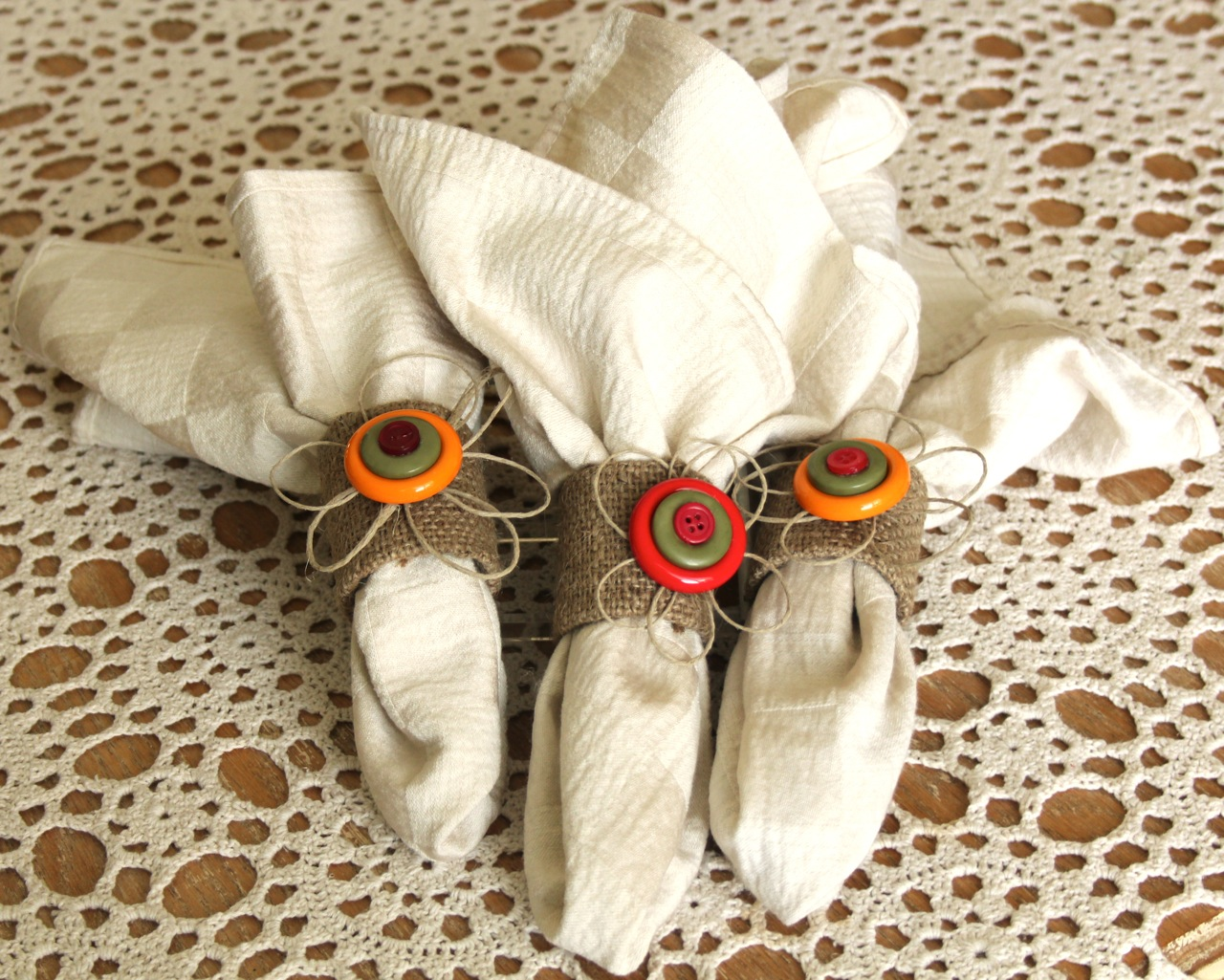 Eco chic button napkin rings think crafts by createforless for Diy fall napkin rings