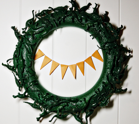 Dino Wreath at ThinkCrafts.com