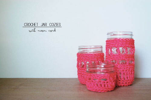 Free Crochet Pattern for a jar cozy using nylon rope. ThinkCrafts.com