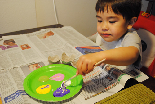 Kids can help with this part of the egg carton project