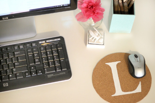 Reversible Monogrammed Mouse Pad. Tutorial at ThinkCrafts.com