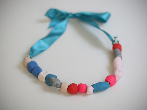 Clay Ribbon Necklace - Momtastic
