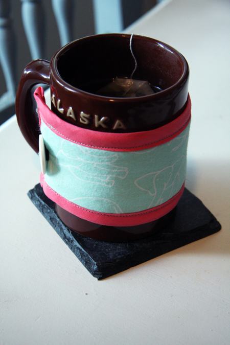 DIY Mug Cozy with Insulated Lining - Tutorial at ThinkCrafts.com