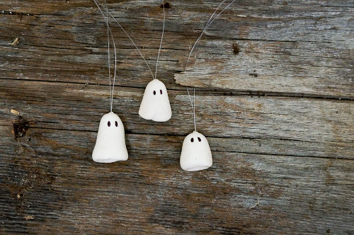 DIY Floating Ghost Necklace for Halloween. Tutorial at ThinkCrafts.com