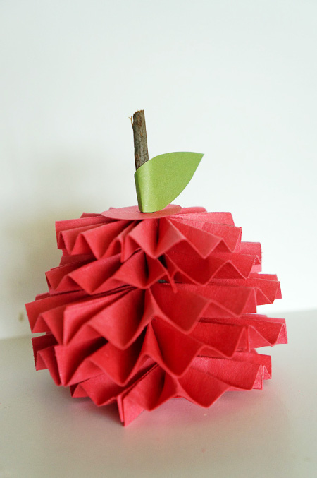 Give Teacher a Paper Apple with this tutorial from ThinkCrafts.com!