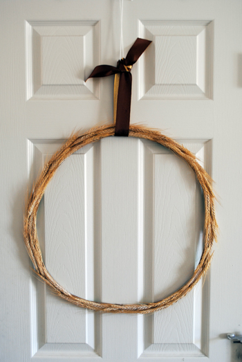 Easy DIY Wheat Wreath
