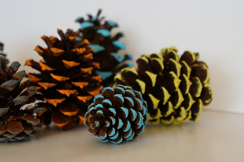 Painted pine cones think crafts by createforless for Pine cone art projects