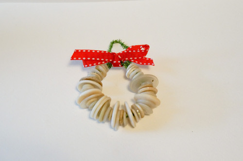 Button Wreath Kids Christmas Craft