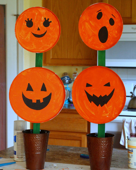 A Halloween Kids Craft Perfect For Your Fall Decor
