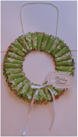 Holiday Cheer Cone Wreath