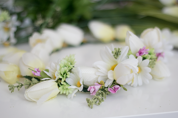 Flower Power: Learn how to create a spring flower crown - Think Crafts