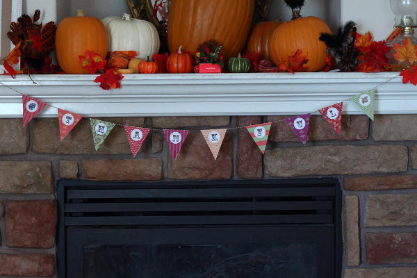 Decorate for Thanksgiving with a free printable Thankful Banner