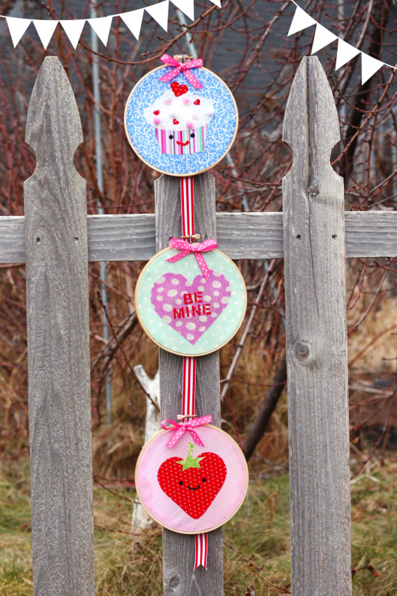 Valentine's Day Cute Wall Hanging