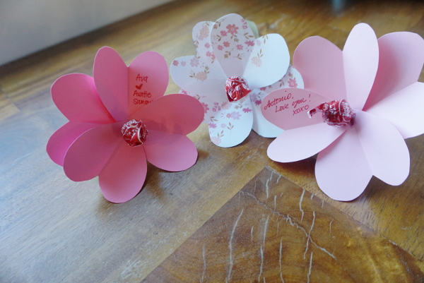 Create your own cute Valentines Flowers from paper hearts!