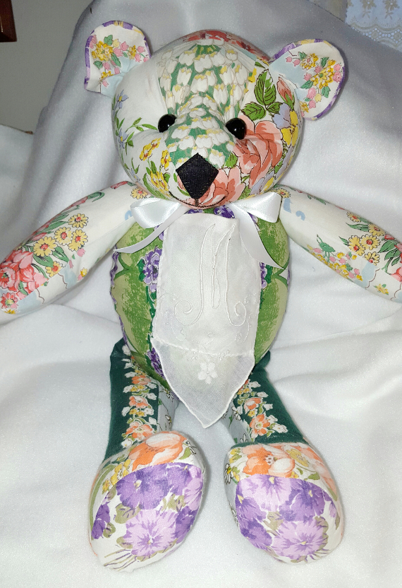 Featured Crafter: Vicki's Memory Bears
