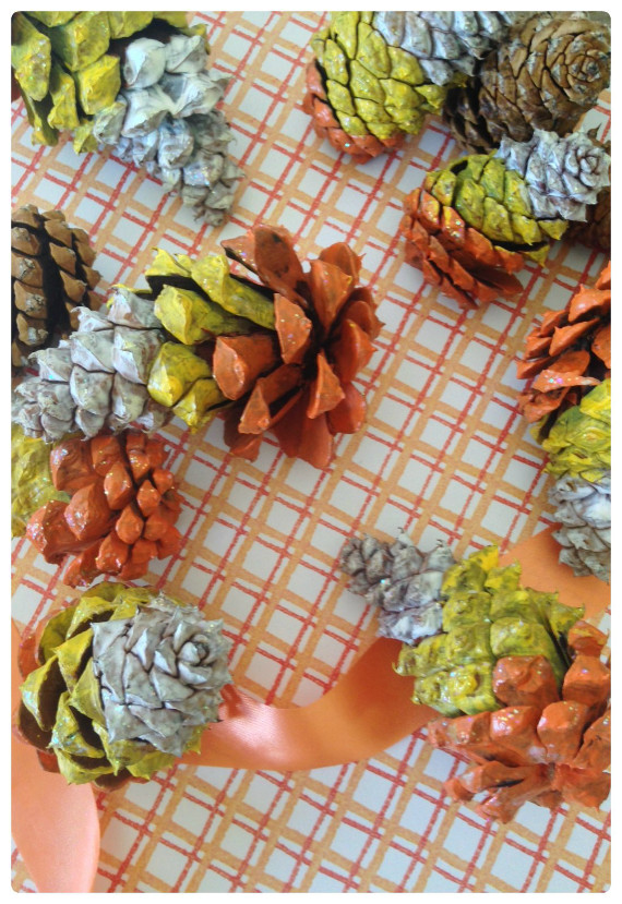 Paint some pinecones for fun and easy Halloween Decor