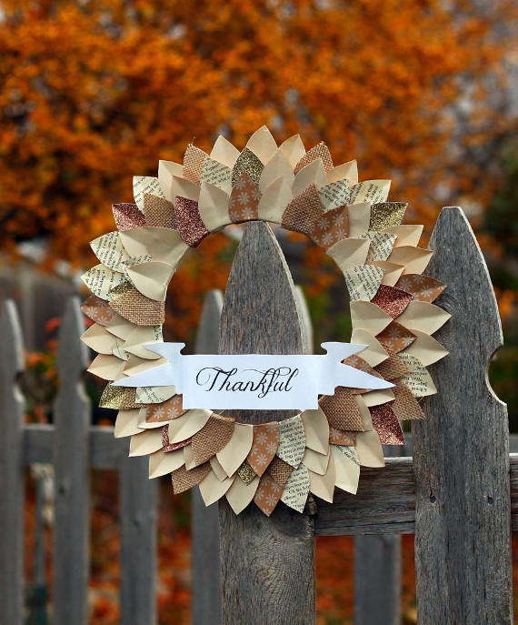 "Create a paper ""Thankful"" wreath to add some rustic decor to your Thanksgiving."