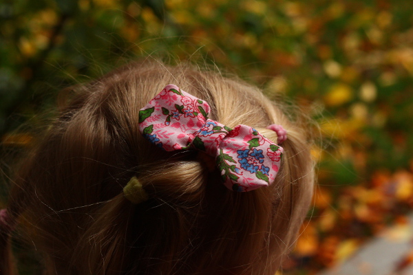 Sew a DIY hair bow with fabric scraps