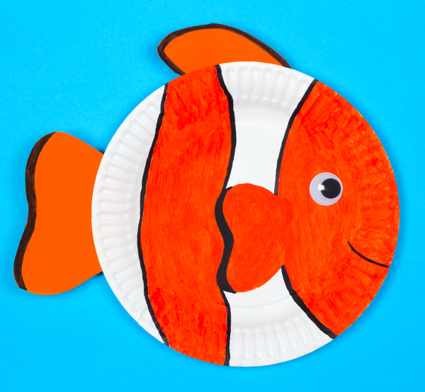 Craft up a whole aquarium of paper plate fish with the kids!