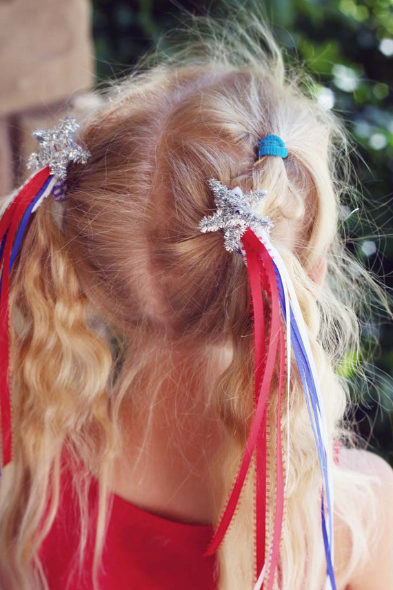 Perfect for the 4th of July or the first day of school, kids will have a ton of fun making these easy hair clips.