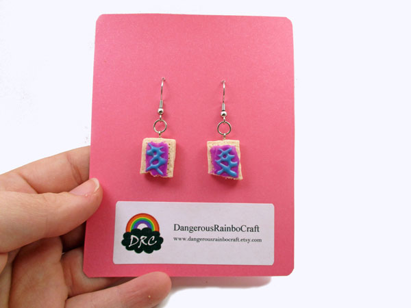 Craft fair tip make your own jewelry cards think crafts by create your own jewelry cards to add a pop of color to your next craft fair set up i have saved so much by making my own jewelry cards and they reflect colourmoves