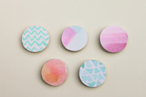 Make your own pretty and simple watercolor magnets - ThinkCrafts.com