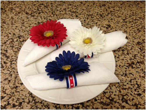DIY 4th of July Napkin Rings for your Independence Day tablescape. Tutorial at ThinkCrafts.com
