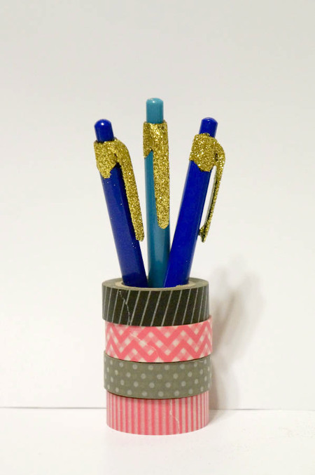 Glitter your pens for a glamorous back to school season!