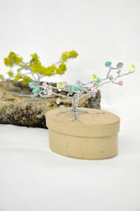 DIY Wire Tree Decorations