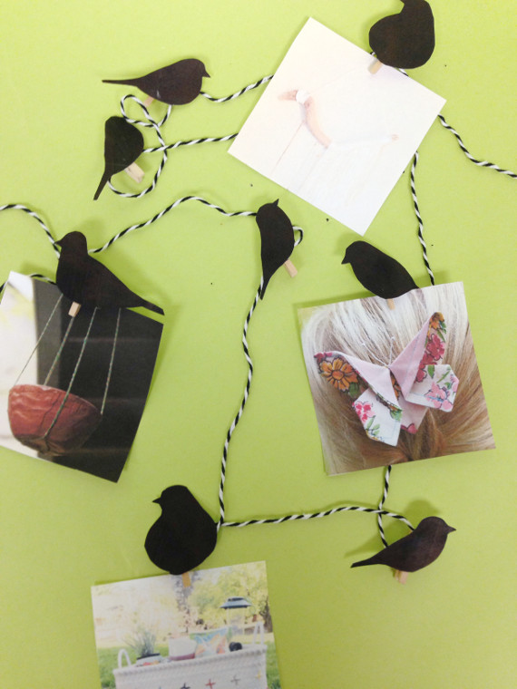 Make a paper garland to hang photos