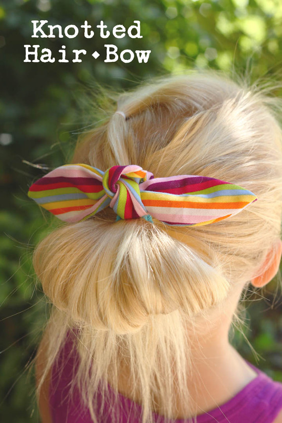 Sew a cute bow for back to school! Templates and tutorial included