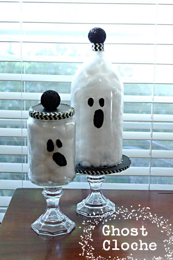 Create a spooky Halloween decoration with recycled materials!