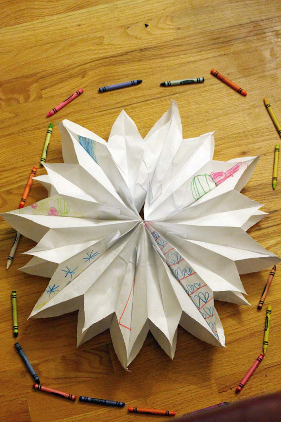A fun kids craft for all ages! Create these paper bag stars to hang on the wall!