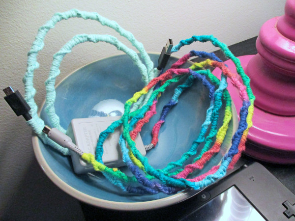 Dress up boring cords with an easy craft for summer!